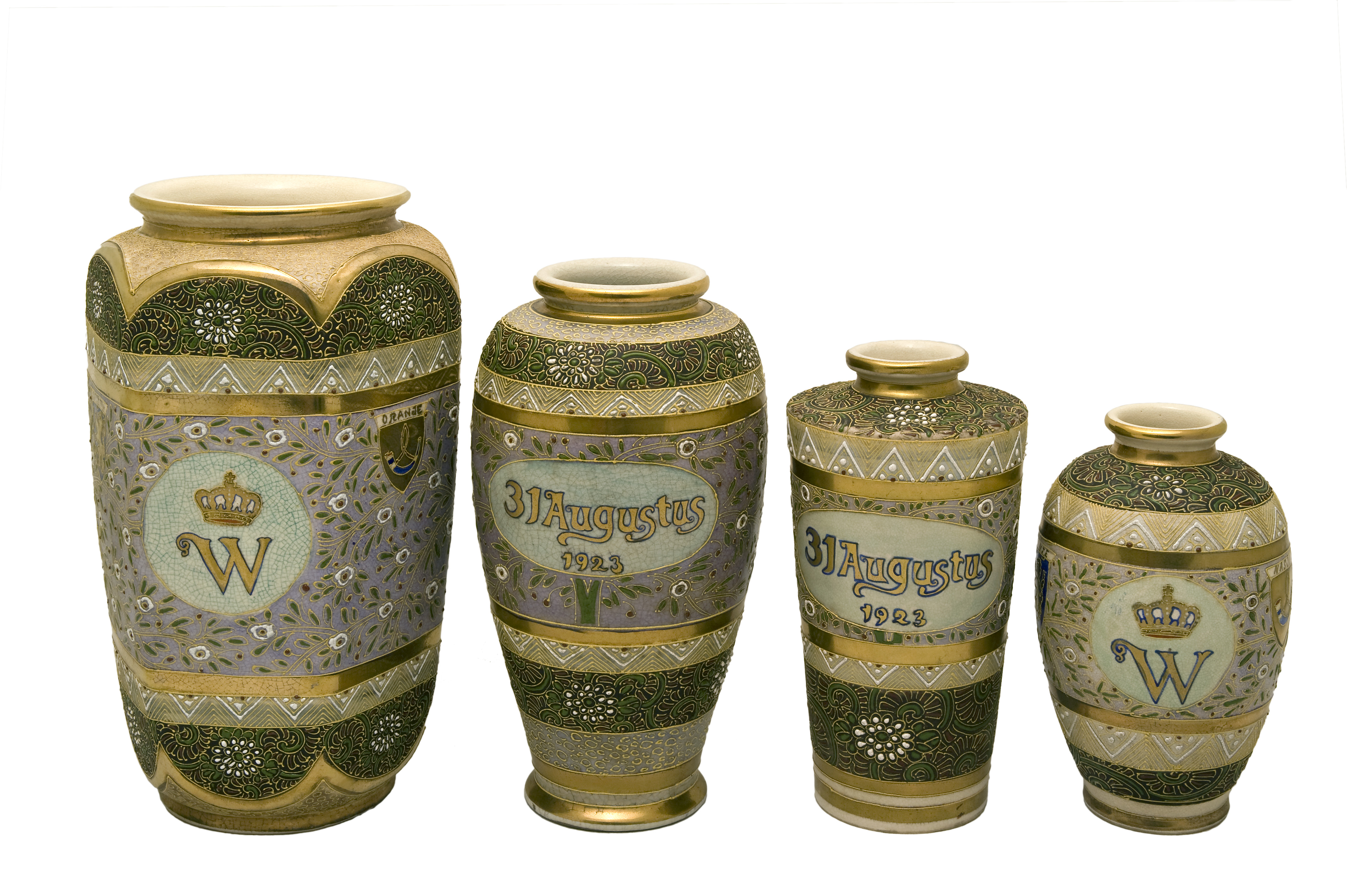 Early 20th Century Pair Of Anese Satsuma Vases In Painted Ceramic